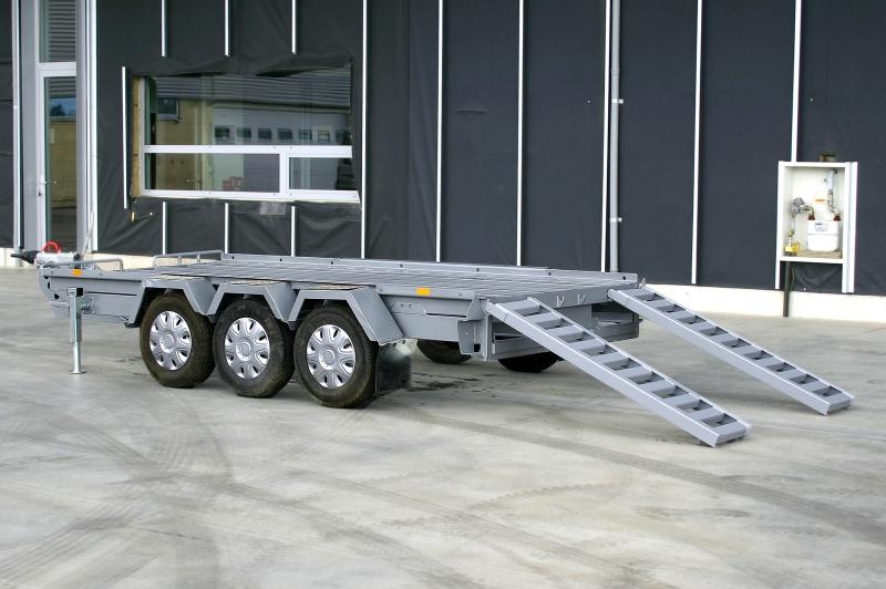 typ: Přívěs tříosý pro přepravu kontejnerů, d. podlahy 3900 m,  kód: xxxx-5339-249-4935
