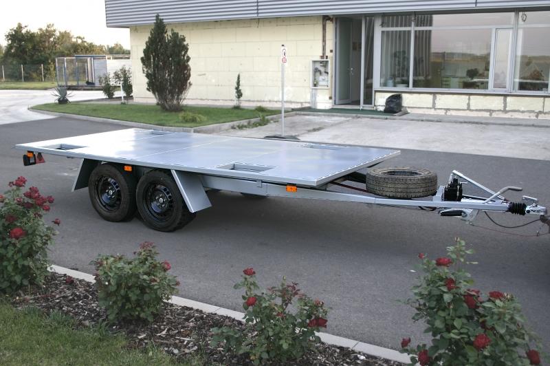 typ: Přívěsný vozík plošinový dvouosý sklopný,  kód: 3038-5860-283-8312, na přepravu aut osobních, terénních aj.